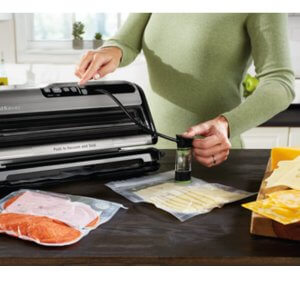 FoodSaver FM5000 Series 2-in-1 Vacuum Sealing System 2